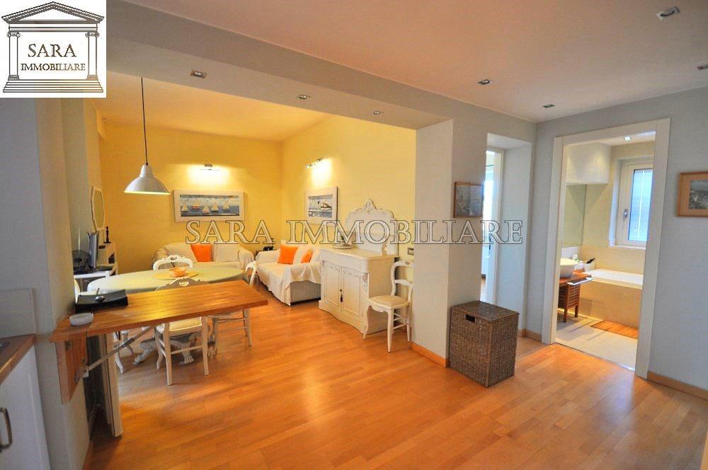 Foto di appartamenti ristrutturati idee creative e for Foto di appartamenti arredati